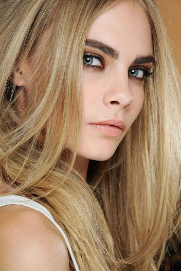 Cara delevigne - natural makeup